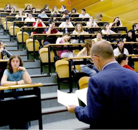 http://www.sindicatdestudiants.net//images/stories/universidad.jpg